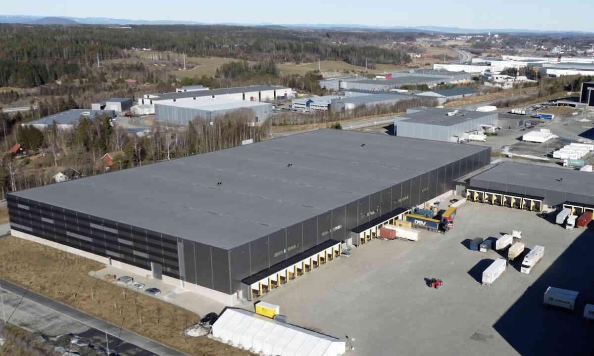 TERMINAL: Helthjem har flyttet inn i 12.000 ny terminal på Vestby på 12.000 kvadratmeter. Foto: Ketil Haugland