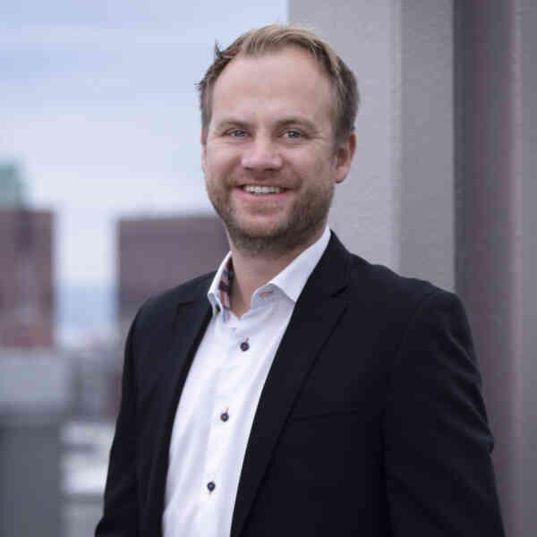 STOLT: Anders Lunde Angen, daglig leder i Helthjem Netthandel, er svært fornøyd med oppstarten ved den nye terminalen i Vestby. Foto: Ingar Sørensen