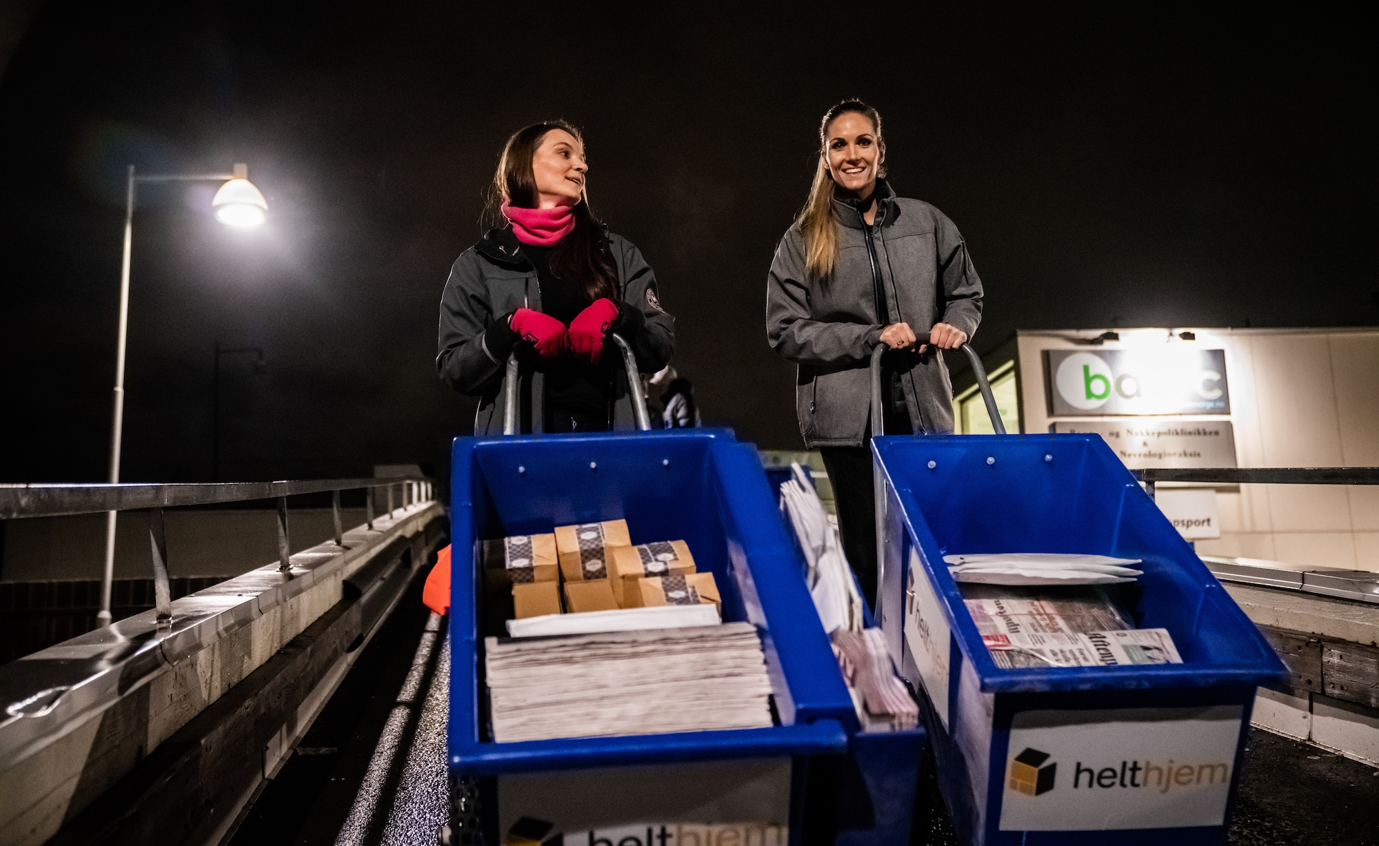 Treningsfrue-Camilla-Aastorp-Andersen-prøver-seg-som-helthjem-avisbud